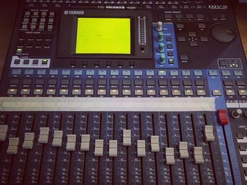 🎚Nueva Mesa de Mezclas: Yamaha 01 v96