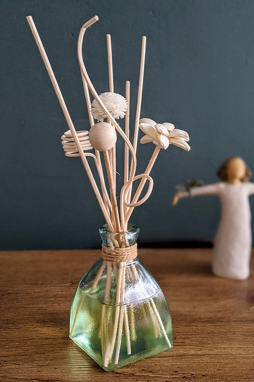 Reed Diffuser with flower reeds. Vegan