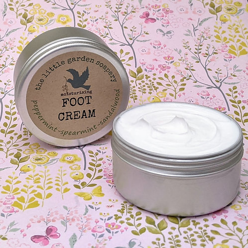 Foot Cream with Peppermint, Spearmint and Sandalwood.