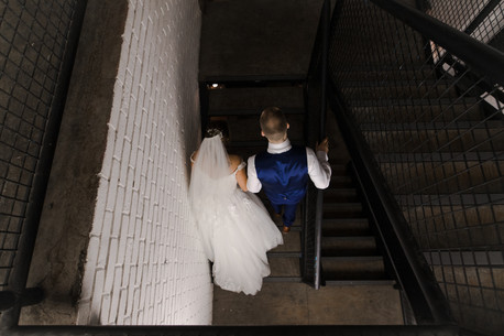 wedding photos in trafalgar warehouse