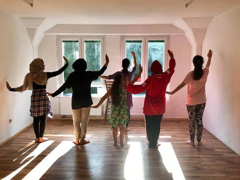 Intensive Summer Workshop for Refugee Girls