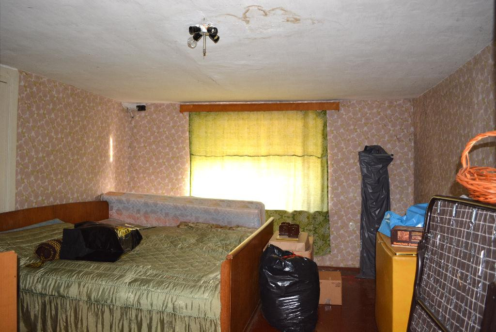 12b-Zimmer im Dachgeschoss.jpg