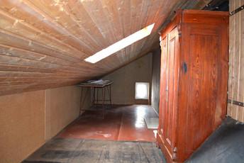 13-Abstellraum im Dachgeschoss.jpg
