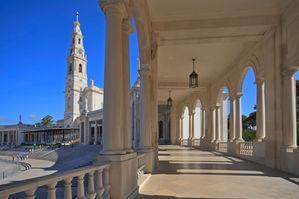 Santuario_de_Fátima._Portugal_(cropped).