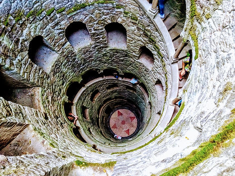 Iniciatic well Quinta da regaleira Sintr