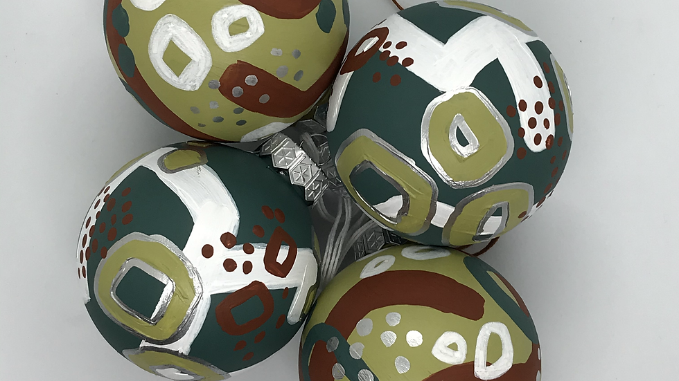 Abstract Christmas Decorations   4 Large