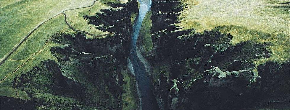 Split by Daniel Casson