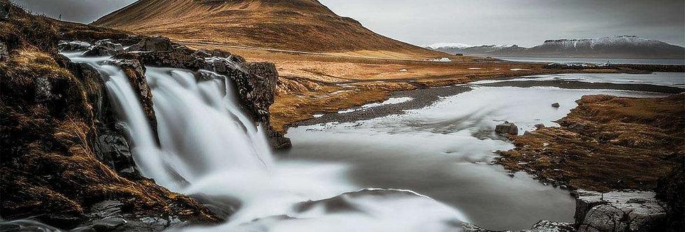 Kirkjufell by Anton Eriksonn