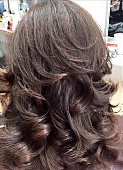Full & Wavy Hairstyle