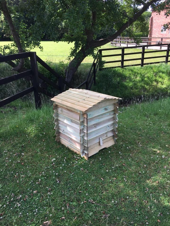 Wee Hooses Wee Hive Compost Bin 2.jpg