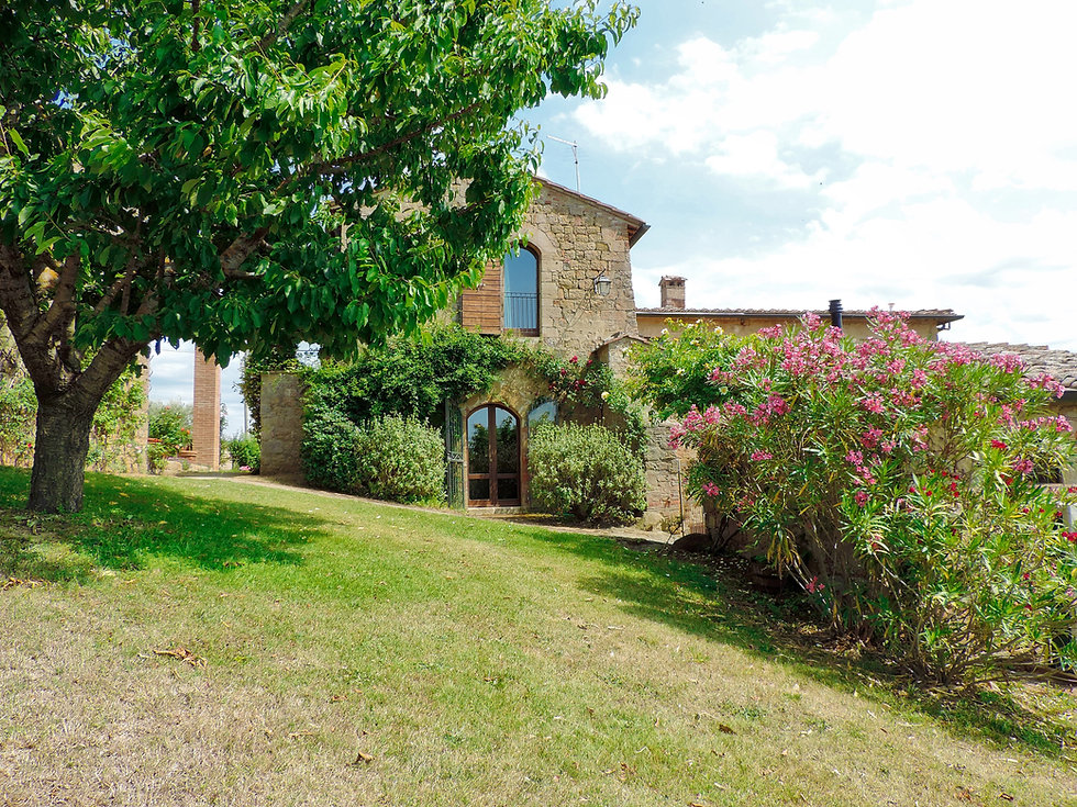Tuscany Luxury Villa With Garden
