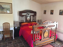 The red bedroom, Central Olonzac Gite