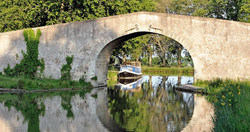Canal du midi bridge