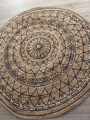 שטיח קש עיטורים שחורים
