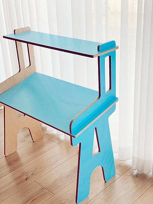שולחן לימוד עם מדף