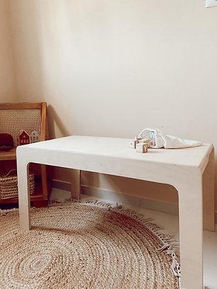 סט שולחן וספסל מעוגלים