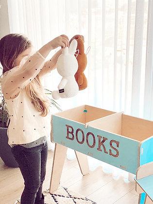 Books  בינוני