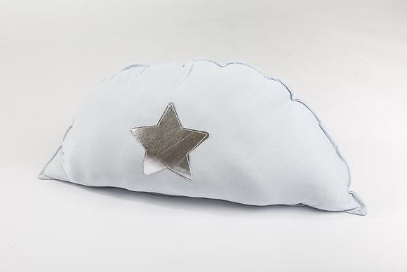 כרית חיבוקי לבנה עם כוכב
