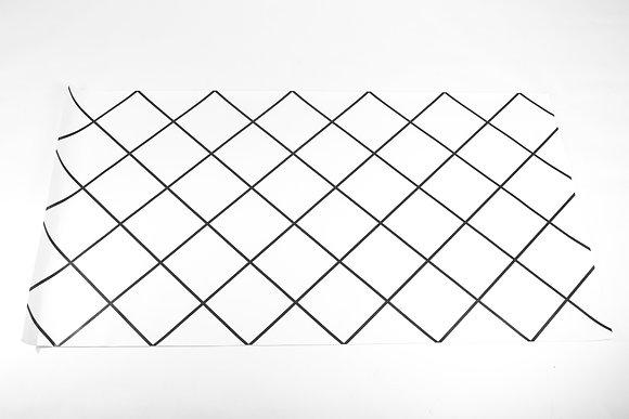 שטיח גיאומטרי לבן שחור
