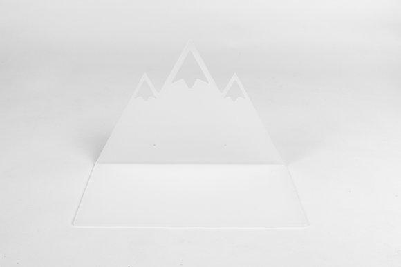 מדף הר מושלג לבן