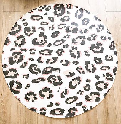 שטיח מנומר כתמים