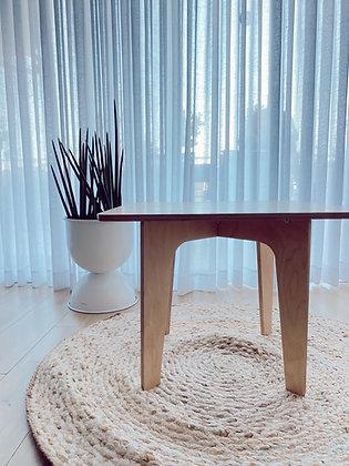 שולחן מרובע עץ טבעי