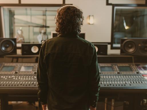 ¿Compositor o música de stock? 3 razones para elegir a un compositor