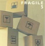 【fragile】 矢堀孝一(Gt) 水野正敏(El.b) 菅沼孝三(Dr) ………………… 5枚目の正直・・てな、それまでのfragile集大成です!! 表記ではこのCDのみ菅沼孝三はKOZOに変更になってます