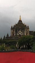 タビィニュ寺院(バガン)2.JPG