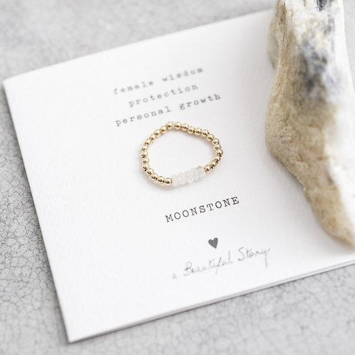 Beauty Mondstein Gold Ring