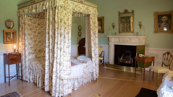 No 1 Royal Crescent ladies bedroom.