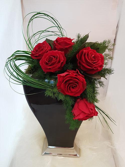 Rosenstrauss mit Vase