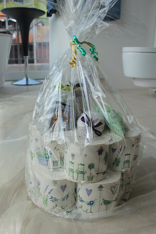 WC-Papiertorte Lavendel