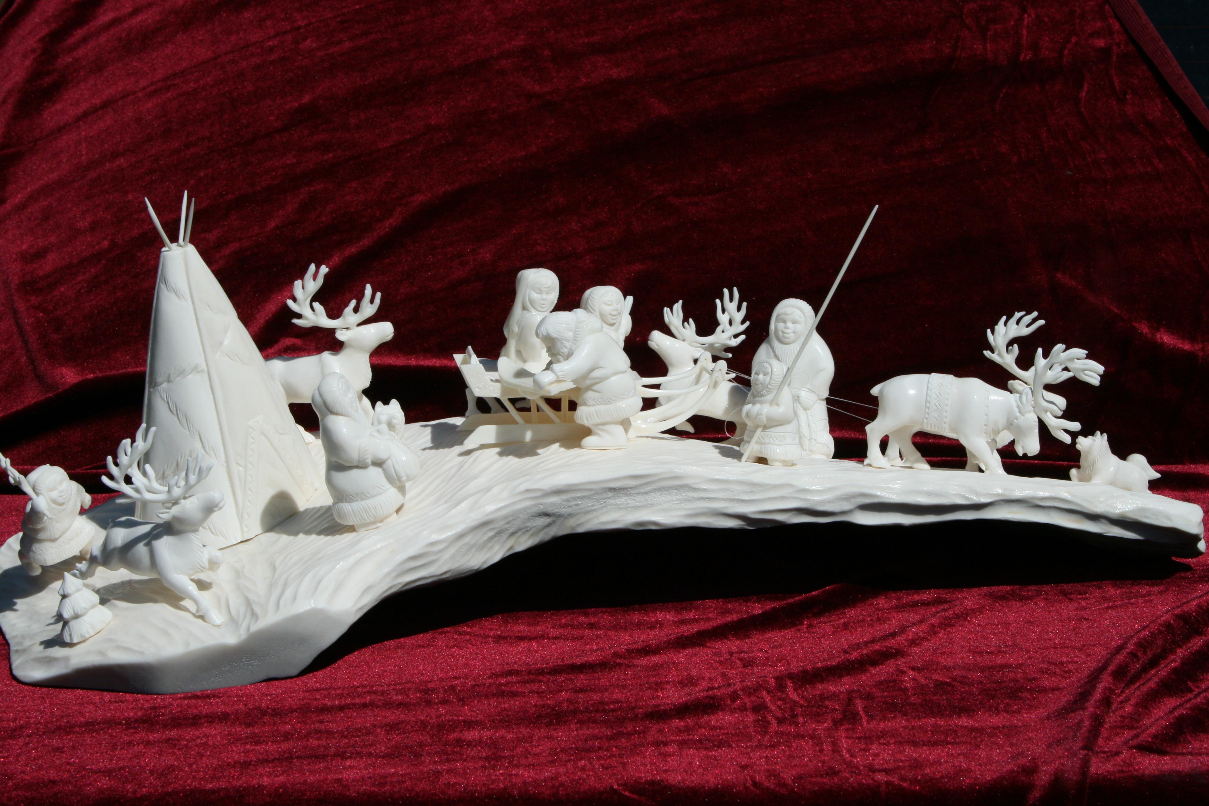 Скульптура У чума Материал рог лося, цевка (автор Коржановская).jpg