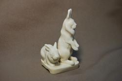 Скульптура Кролики, Материал рог лося.jpg