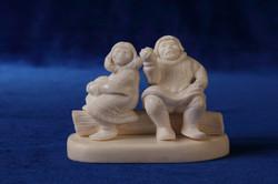 Скульптура Вдвоём.   Материал рог лося..JPG