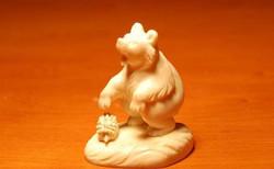 Скульптура Мишка с ежиком, Материал рог лося.jpg