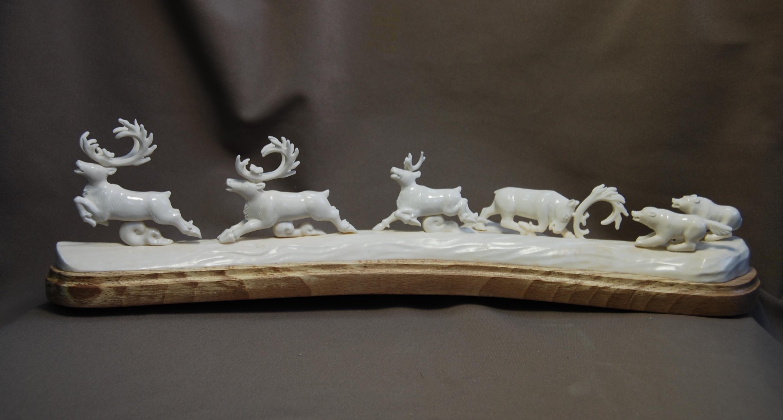 Скульптура Погоня ув, Материал рог лося, цевка.jpg