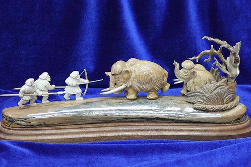 """Скульптура """"Охота на мамонтов"""""""