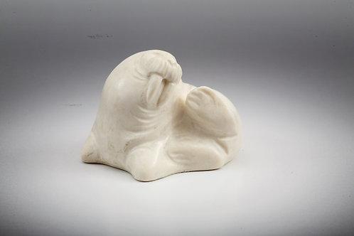 """Скульптура """"Морж лежащий"""""""