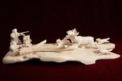 Скульптура Охота на лося, Материал рог лося, рог косули, цевка.JPG