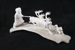 Скульптура На пастбище Материал рог лося, цевка.JPG