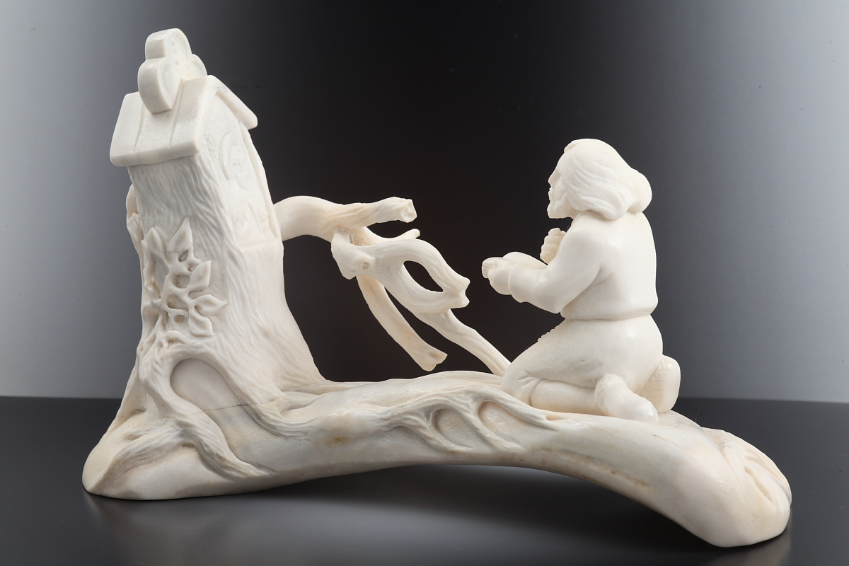Скульптура Отшельник Материал рог лося.jpg