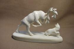 Скульптура Олень и волк,  Материал рог лося.jpg