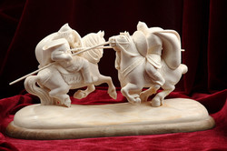 Скульптура Поединок, Материал бивень мамонта.jpg