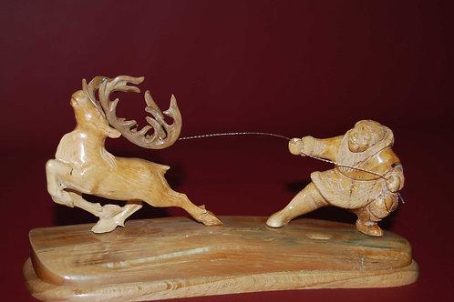 """Скульптура """"Ловля оленя"""""""