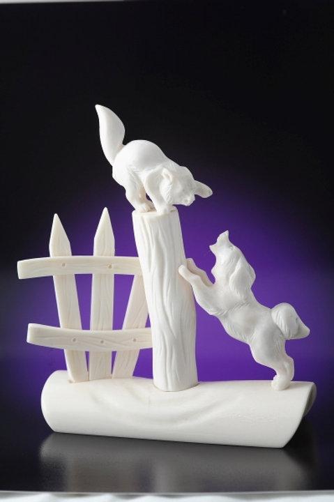 """Скульптура """"Кот и пес"""""""