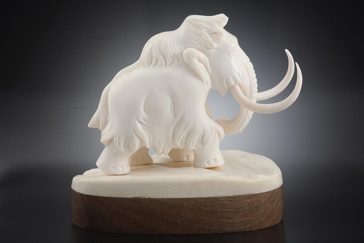 Скульптура Мамонт   Материал рог лося.jpg