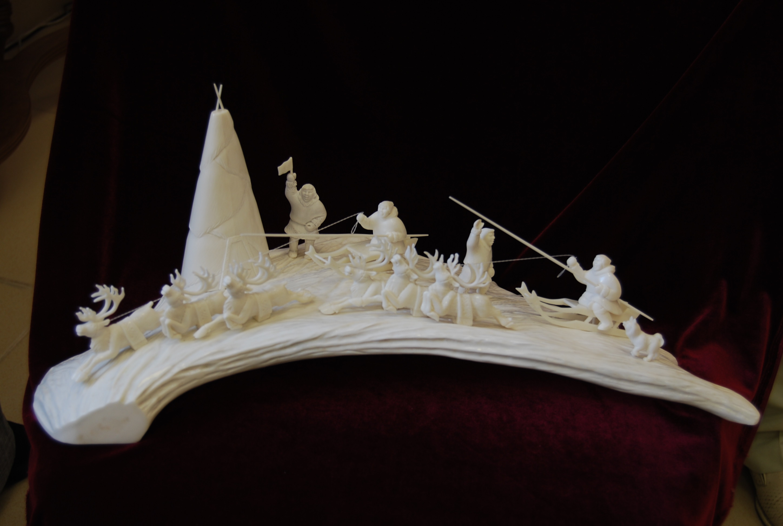 Скульптура Спортивный праздник, Материал рог лося, цевка.jpg
