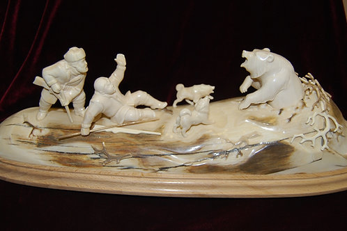 "Скульптура ""Охота на медведя """